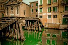 Free Italian Old Bridge Stock Images - 17176314