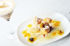 Free Cold Coffee  And Sweet Pastry Royalty Free Stock Photos - 17184108