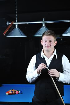 Free Young Man Play Pro Billiard Game Royalty Free Stock Photography - 17189677
