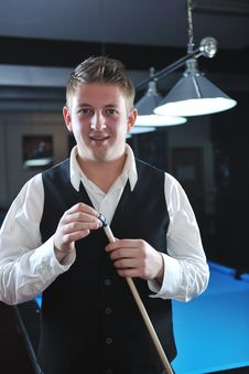Free Young Man Play Pro Billiard Game Royalty Free Stock Image - 17189756