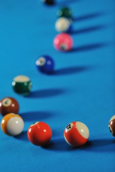Free Young Man Play Pro Billiard Game Royalty Free Stock Photography - 17191917