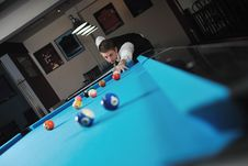 Free Young Man Play Pro Billiard Game Royalty Free Stock Images - 17193669
