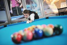 Free Young Man Play Pro Billiard Game Stock Images - 17194924