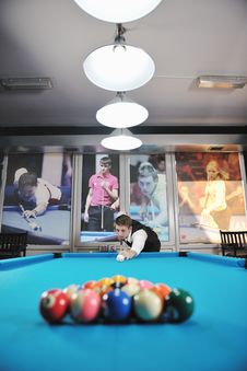 Free Young Man Play Pro Billiard Game Royalty Free Stock Photos - 17195148