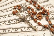 Free Money & Rosary Royalty Free Stock Photography - 1723847