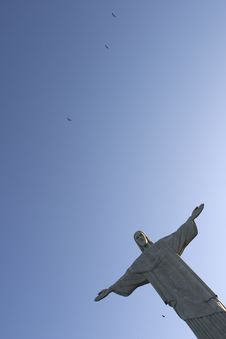 Free Christ Redeemer And Birds Royalty Free Stock Photography - 1726667