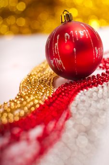 Free Red Christmas Ball Stock Photo - 17203500