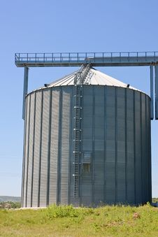 Free Agricultural Silos Stock Images - 17204954