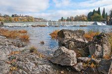 Free Rocky Riverbank At Umpqua River Stock Photography - 17206982