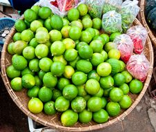 Free The Green Lime With Red Chili Royalty Free Stock Photos - 17207278