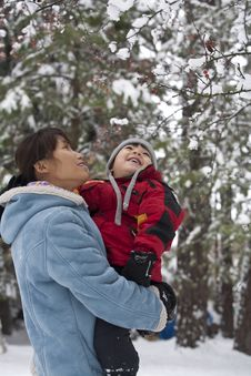 Free Mother And Son Look At Snow. Stock Photos - 17208123