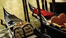 Free Traditional Venice Gandola Ride Royalty Free Stock Photography - 17209197