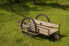 Free Wooden Wheelbarrow Stock Images - 17209314