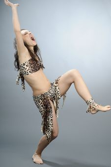 Free Primitive Woman Dancing Royalty Free Stock Images - 17209639
