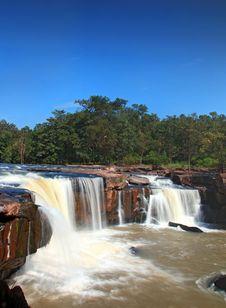 Free Tadtone Waterfall Royalty Free Stock Image - 17217556