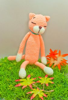 Free Knitted Cat Toy Stock Photography - 17219162