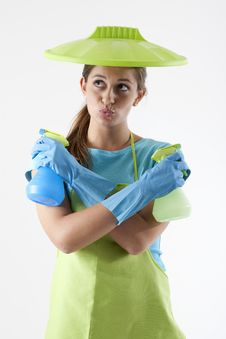 Free Housewife Ready To Fight With Spray Bottle Royalty Free Stock Photography - 17219257