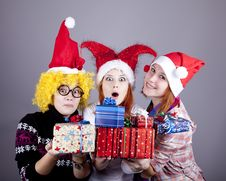 Free Three Girlfriends In Funny Hats Royalty Free Stock Photography - 17221077