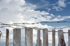 Free Barbed Wire Are Stretched Across Top Of Fence Royalty Free Stock Images - 17221939