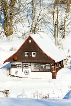 Free Cottage In Winter Royalty Free Stock Photo - 17236365