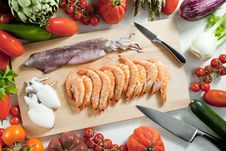 Free Raw Seafood And Vegetables Royalty Free Stock Images - 17236449