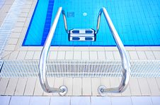Free Luxury Water Pool Swimming Royalty Free Stock Images - 17236979