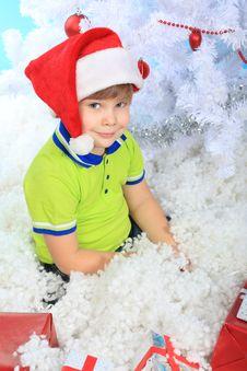 Free Boy In Snow Royalty Free Stock Photo - 17237135