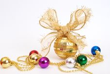 Free Gold Christmas Baubles Royalty Free Stock Photography - 17237897