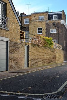 Free Quiet, Narrow Streets Of London Stock Images - 17238754