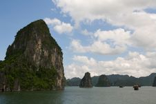 Free Halong Bay Cliffs Stock Photo - 17240240