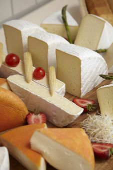 Free Cheese Plate Stock Photo - 17240650