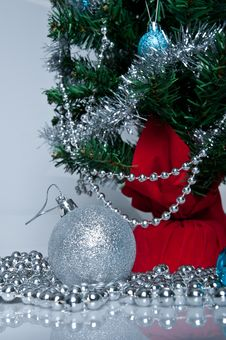 Free Christmas Tree And Silver Decor Royalty Free Stock Photo - 17240985