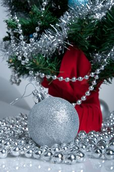 Free Christmas Tree And Silver Decor Stock Photo - 17241000
