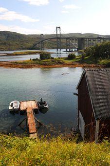 Free Modern Bridge Royalty Free Stock Images - 17243479