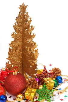 Free Red Christmas Baubles With A Golden Tree Royalty Free Stock Image - 17245026