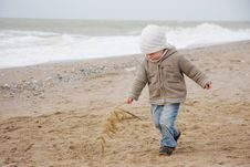 Free Cute Child On Beach Royalty Free Stock Photography - 17248897