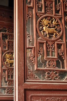 Free Woodcarving Of Chinese Dragon Stock Photo - 17251170