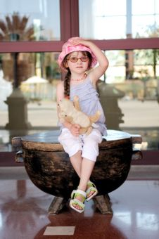 Free Small Girl In Glasess And Sun Hat Stock Image - 17251981