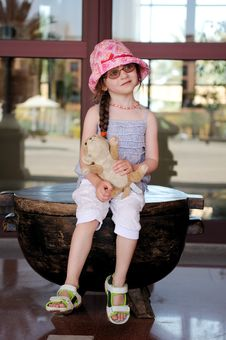 Free Small Girl In Glasess And Sun Hat Royalty Free Stock Image - 17251986