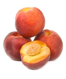 Free Heap Of Ripe Peaches Stock Images - 17253804
