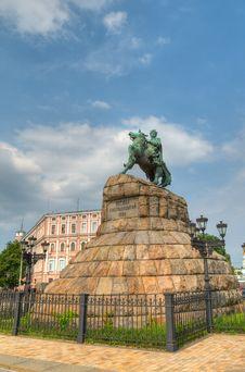 Free Monument Of Bogdan Hmelnitsky Royalty Free Stock Photography - 17254167