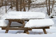 Free Table Under Snow Royalty Free Stock Photos - 17259618