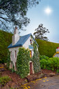 Free Ivy Cottage Royalty Free Stock Photos - 17263858