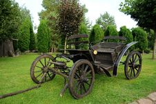 Free Old Horse-drawn Carriage Stock Photo - 17260120
