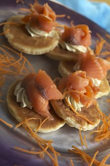 Free Salmon Crepe Royalty Free Stock Photos - 17263538