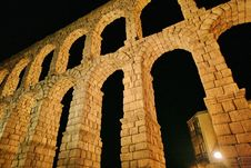 Free Roman Aqueduct At Segovia Stock Photo - 17264390