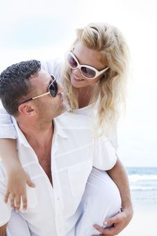 Free Happy Couple Stock Photography - 17265772