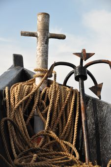 Free Goa Holidays: Ship Anchor And Rope Royalty Free Stock Image - 17266656