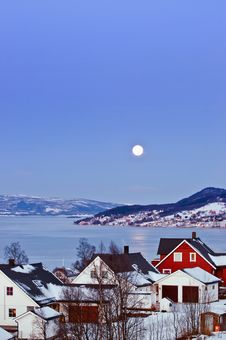 Free Moon Over Finsnes. Stock Photo - 17266800