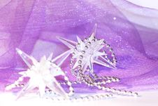 Free Holiday Stars On Violet Background Royalty Free Stock Images - 17267929